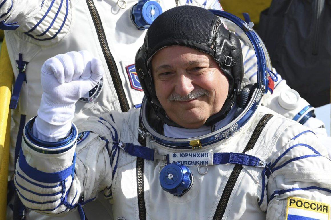Russian cosmonaut Fyodor Yurchijin visits Nicaragua for a scientific meeting