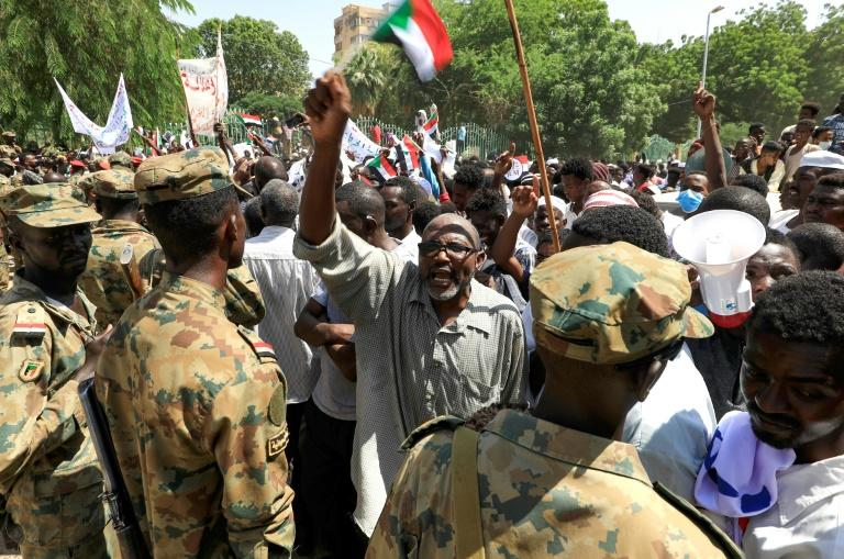 Second day of sit-in in Sudan to demand military rule