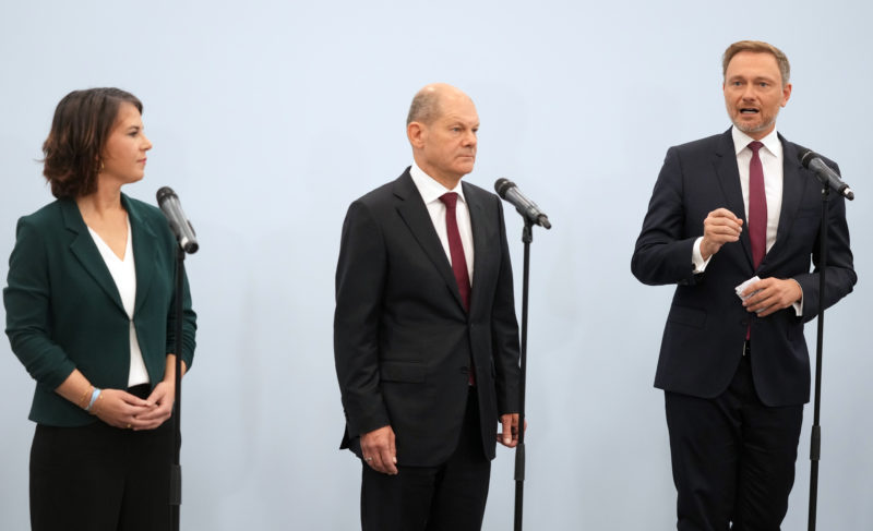 Social Democrats, Greens and Liberals announce a preliminary agreement to form a government in Germany |  International