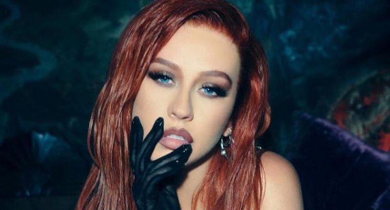 Christina Aguilera sings in Spanish with Becky G, Nicki Nicole and Nathy Peluso - MAG.