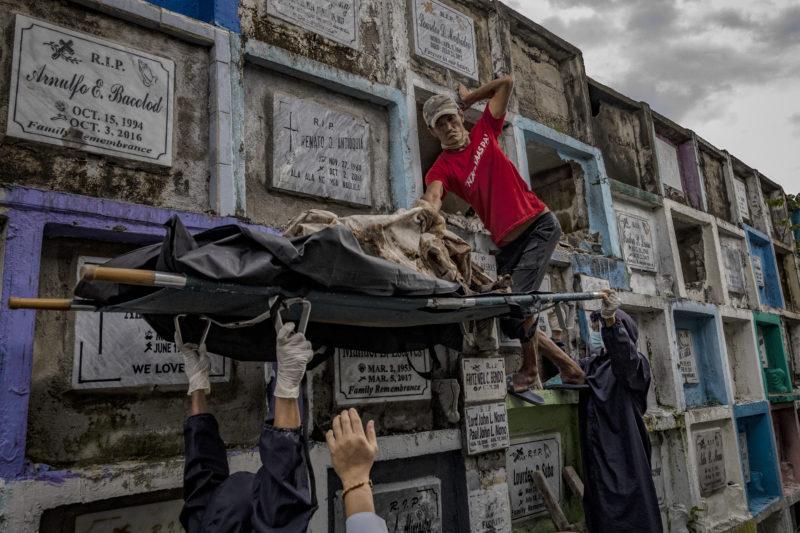 The Philippines to Investigate Thousands of Deaths in President Duterte's Drug War |  International
