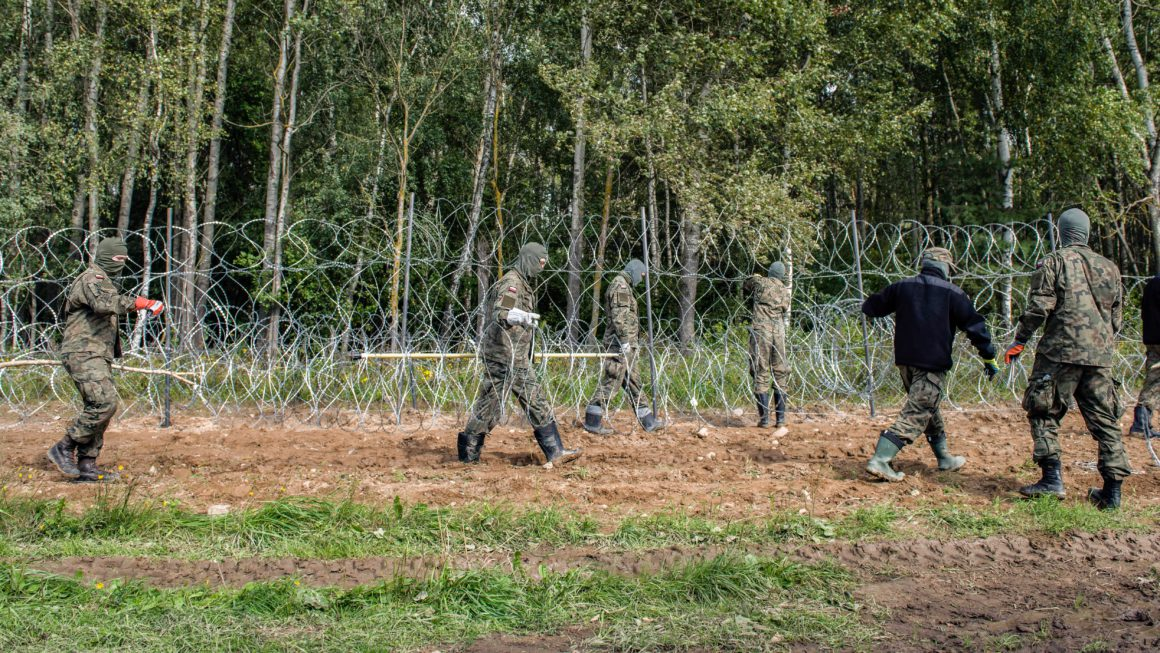 The Polish Parliament approves the construction of a wall on the border with Belarus |  International