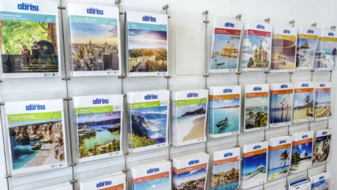 The fall in the turnover of travel agencies during the summer postpones its recovery to 2024