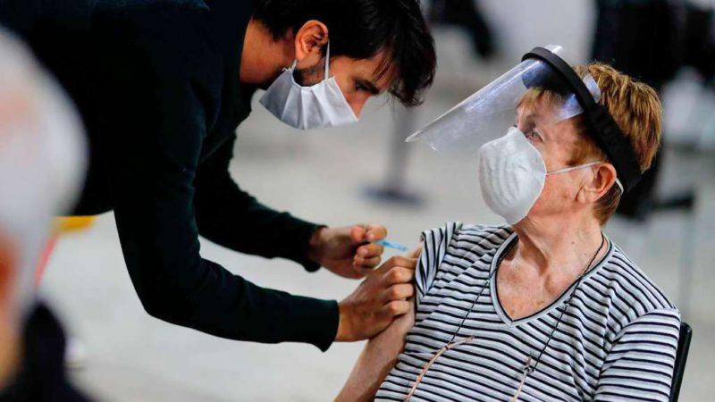 The province of Buenos Aires will begin next week to apply third doses and booster vaccines