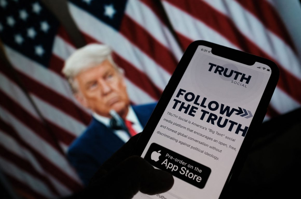 """Trump Announces Launch of His Own Media Company and Social Network Called """"Truth""""    International"""