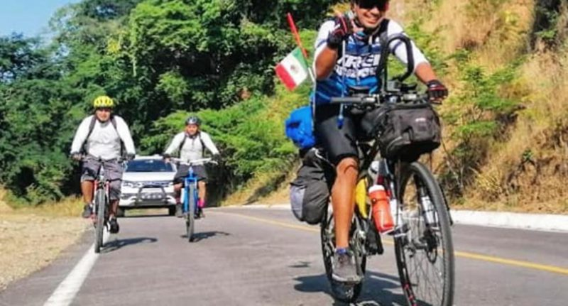 The story of the man who pedaled from Mexico to Mar del Plata in Argentina all for love - MAG.