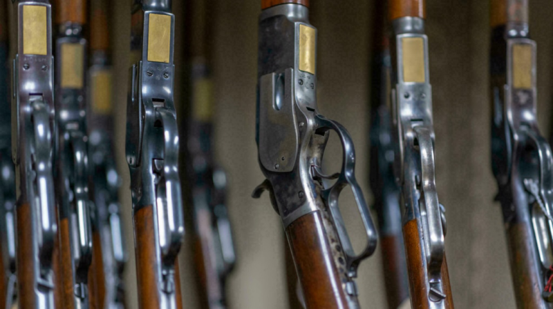 What are the rules for guns and ammunition on a movie set?